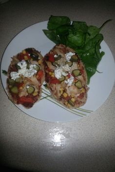 Open pitta with chicken and salad