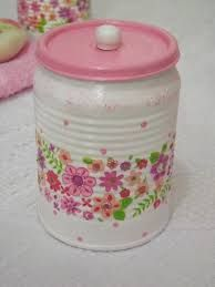 Diy Craft Projects, Diy Crafts, Tin Can Crafts, Altered Tins, Aluminum Cans, Country Crafts, Bottle Painting, Recycled Crafts, Bottle Crafts