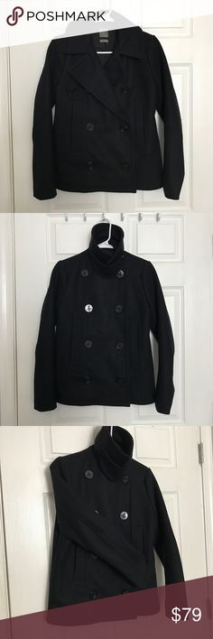 Gap Wool Blend Pea Coat Jacket Very warm and stylish Jacket perfect for the cold weather! Double Breast. Navy Blue. In perfect condition, only worn twice (It was too nice for me to wear everyday but now it's too small for me.) Don't hesitate to ask questions or make an offer! 😘 GAP Jackets & Coats Pea Coats