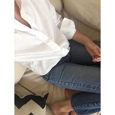 """Kenya Shirt and Totême Denim White Shirt And Blue Jeans, Crisp White Shirt, Style Me, Cool Style, Daily Street Style, Elin Kling, Summer Wear, Street Fashion, Kenya"