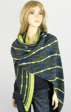 Ninoun Knitwear - ARROW - Atypical shawl in baby alpaca and merinos wool