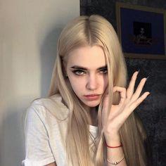 Likes, 34 Comments - GrunGe Aesthetic People, Aesthetic Girl, Blonde Aesthetic, Art Emo, Rock Tumblr, Tmblr Girl, Grunge Girl, Pretty Face, Pretty People