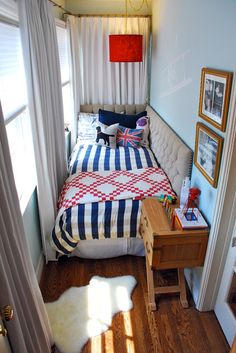 Tiny Bedroom Nook I love the headboard/sideboard. I totally need something like this for my tiny spare bedroom. Bedroom Nook, Bedroom Decor, Teen Bedroom, Bedroom Storage, Bedroom Furniture, Master Bedroom, Bed Nook, Bamboo Furniture, Bedroom Themes