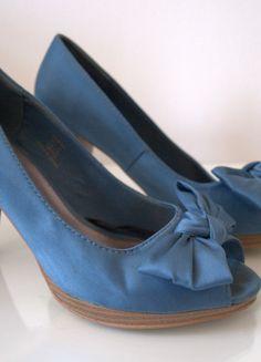 Kaufe meinen Artikel bei #Kleiderkreisel http://www.kleiderkreisel.de/damenschuhe/hohe-schuhe/112701272-blaue-peeptoes-von-hm