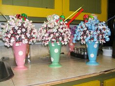 How to Make a Lollipop Bouquet | Posted by Diva-Licious Candy Bouquets at 9:45 AM No comments: