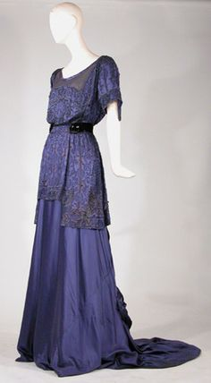 ~Tea gown, R. Maurer, early 20th century. Doyle New York~