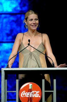 Pregnant Gwyneth Paltrow (529×800)