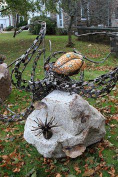 Chris Williams octopus's garden sculpture Metal Art Sculpture, Garden Sculpture, Outdoor Art, Outdoor Decor, Chris Williams, Octopus Squid, Tentacle, Yard Art, Artist At Work