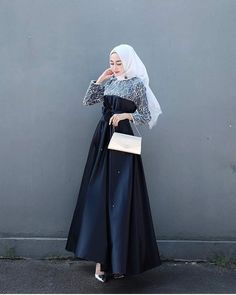 Blue maxi dress - - Blue maxi dress Source by tyazulistia Hijab Prom Dress, Hijab Gown, Kebaya Hijab, Hijab Style Dress, Kebaya Dress, Kebaya Muslim, Muslim Dress, Muslim Fashion, Hijab Fashion