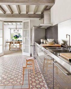 Patroon op de vloer met tegels! | Maison Belle