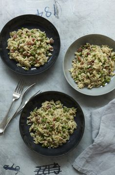 Pasta Risotto with Peas and Pancetta - The Happy Foodie