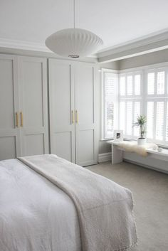 Quiet and fresh bedroom // neutral bedroom decor with built-in . - Quiet and fresh bedroom // neutral bedroom decor with built-in ins Quiet and fresh bedroom // neutr - Neutral Bedroom Decor, Neutral Bedrooms, Trendy Bedroom, Paint Colours For Bedrooms, Neutral Bathroom, Coastal Bedrooms, Bedroom Modern, Room Colors, Bedroom Colour Schemes Neutral
