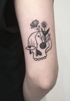Ana Work skull tattoo