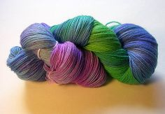 Handpainted KnitPicks sock yarn, dyed with Easter egg dye by kathrynivy.com, via Flickr (pour chevron scarf )
