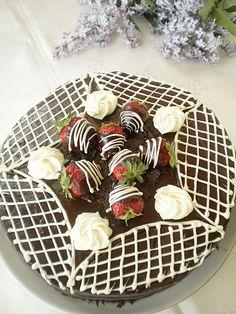 Un tort festiv bun de pregatit pentru orice ocazie !