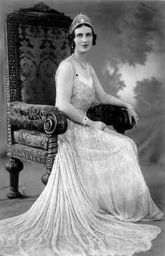 Princess Olga of Yugoslavia - pearl kokoshnik shaped tiara.