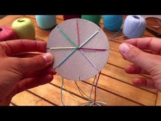 Freundschaftsbänder knüpfen einfach - YouTube Textiles, Handicraft, Diy For Kids, Coasters, Kindergarten, Xmas, Youtube, Crowns, Bored Kids