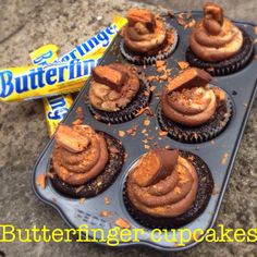 Butterfinger Cupcakes - a chocolate cupcake filled with chocolate ganache, topped with a peanut butter chocolate swirled buttercream, and Butterfinger sprinkles :) YUMMM :: Chelsweets