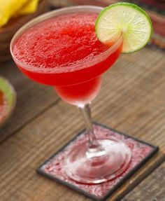 Strawberry Margarita: cup crushed ice, 1 oz strawberry puree, 2 oz tequila, oz lime juice, oz triple sec. Sugar lining the rim of the glass. Lime or strawberry wedge garnish. Summer Cocktails, Cocktail Drinks, Fun Drinks, Yummy Drinks, Beverages, Festive Cocktails, Triple Sec, Tequila Drinks, Alcoholic Drinks