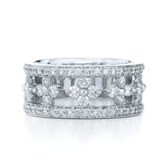 This dazzling Jasmine ring from Kwiat is the perfect mix of modern and classic elegance.  Stop in to Hands to see more gorgeous Kwiat pieces!