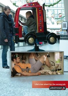 Life is Too Short for a Wrong Job Guerilla Marketing Examples Guerilla Marketing, Street Marketing, Marketing Jobs, Experiential Marketing, Creative Advertising, Guerrilla Advertising, Advertising Design, Social Advertising, Advertising Poster