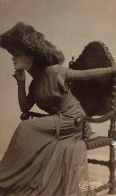 Alla Nazimova, 1900s