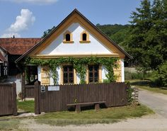Folk architecture of Hungary – Fronts Europe, Neo Traditional, Country Decor, Old Houses, Countryside, House Plans, Sweet Home, Home And Garden, Farmhouse