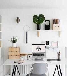 """Gefällt 3,511 Mal, 3 Kommentare - Design Your Workspace (@designyourworkspace) auf Instagram: """"A Mounted Mindset 🔎 #designyourworkspace ~ FREE Workspace Design Guide in Bio"""""""