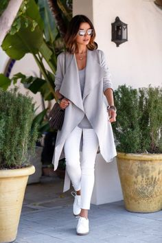 All Things Lovely In This Summer Outfit. Definitely Must Have One. - Street Fashion, Casual Style, Latest Fashion Trends - Street Style and Casual Fashion Trends Grey Fashion, Look Fashion, Autumn Fashion, Fashion Women, Street Fashion, Latest Fashion, Classy Fashion, Fashion Coat, Feminine Fashion