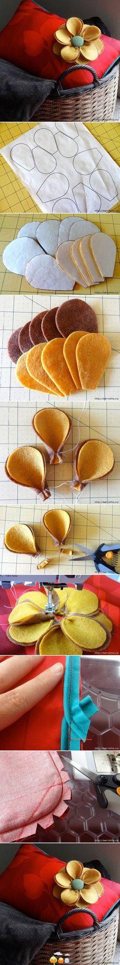 Almofada de flor de feltro