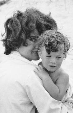 Jacqueline Kennedy and daughter Caroline at Hyannis Port 1959