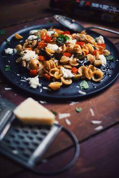 Tagliatelle Carbonara, Vegan Vegetarian, Vegetarian Recipes, Confort Food, Grace, Bon Appetit, Eggplant, Pasta Salad, Food Porn