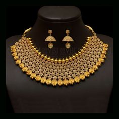 Looking for gold and diamond jewellery? Vummidi has the best collection of diamond rings, diamond earrings and gold jewellery, handcrafted to perfection. Gold Temple Jewellery, Gold Jewellery Design, Gold Jewelry, Bridal Jewellery, Lotus Jewelry, Designer Jewelry, Statement Jewelry, Wedding Jewelry, Diamond Jewelry