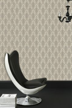 Ritzy Damask Wallpaper - Designer Wall Coverings by Graham Brown Cream Wallpaper, Damask Wallpaper, Designer Wallpaper, Wallpaper Art, Room Color Design, Family Room Colors, Stunning Wallpapers, Pearl White, Floor Chair