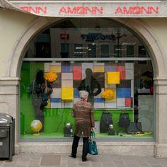 #vetrina a #bolzano #bozen #shopping  #sudtirol #altoadige #travel  #montagna #mountains #igersfc #igersemiliaromagna #ig_forli_cesena #ig_emiliaromagna #ig_rimini_  #ig_emilia_romagna #ig_sudtirol #ig_trentinoaltoadige #dolomiti #my_dolomiti #dolomites #vivoemiliaromagna #vivocesena #vivoitalia #vivorimini