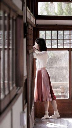 behind the scenes of IU's `through the night` MV Kpop Fashion, Korean Fashion, Fashion Outfits, Korean Girl, Asian Girl, Angeles, Woman Crush, Korean Beauty, Girl Crushes