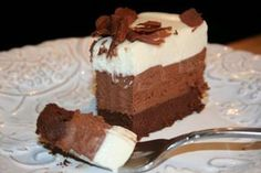 One of the most decadent chocolate cakes ever – Triple Chocolate Mousse Cake Triple Chocolate Mousse Cake, Decadent Chocolate Cake, Chocolate Desserts, Chocolate Heaven, Sweet Recipes, Cake Recipes, Dessert Recipes, Food Cakes, Cupcake Cakes