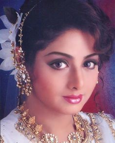 However, 'Kapoor' added with her name as Sridevi married to the film producer Boney Kapoor. Well, her style, fashion, acting makes vibe as Sridevi Kapoor Looks to her fans worldwide. Beautiful Bollywood Actress, Beautiful Indian Actress, Bollywood Stars, Islamic Girl, Very Beautiful Woman, Vintage Bollywood, Old Actress, Indian Celebrities, Culture