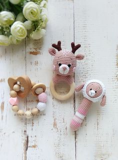 Pregnancy gift box with Bear Deer Bunny Racoon rattle, Postpartum unisex package present, Baby reveal gift set with woodland rattles - Fairy Toys by Inna Chi strickjacke babysachen Newborn Toys, Newborn Baby Gifts, Baby Turban, Crochet Baby Toys, Baby Knitting, Crib Toys, Boy Toys, Baby Gift Box, Pregnancy Gifts