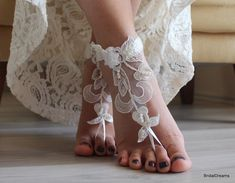 Barefoot Wedding Sandals for Beach Weddings - Wedding Tips 101 Converse Wedding Shoes, Wedge Wedding Shoes, Bridal Shoes, Bridal Sandals, Wedding Heels, Barefoot Sandals Wedding, Barefoot Beach, Lace Weddings, Wedding Lace