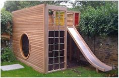 15 Super Awesome Kids Outdoor Playhouses | Kidsomania. Looks pretty simple. Kind of confused how the ladder would work since the kid would have to climb over that beam.