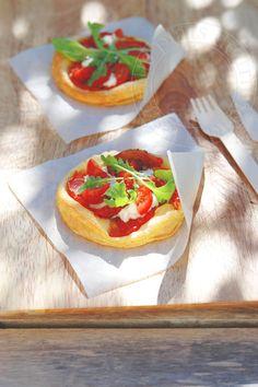 les petits plats de trinidad: Tartelettes aux 3 tomates, à la brousse et à la roquette