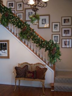 Christmas Garland Ideas Staircase | ... staircase banisters with garland christmas garland decorating ideas