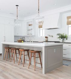 What makes a beautiful modern farmhouse kitchen? Here we feature some of the most prevalent, and important, key elements of modern farmhouse kitchen design that we are seeing in some of the most stunning kitchens today Home Decor Kitchen, Kitchen Interior, New Kitchen, Kitchen Ideas, Shaker Kitchen, Kitchen Bars, Cozy Kitchen, Awesome Kitchen, Beautiful Kitchen