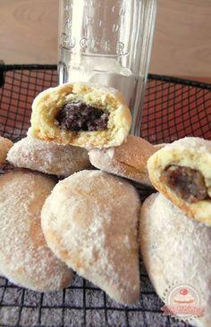 Békebeli hókifli Hungarian Desserts, Hungarian Recipes, Baking Recipes, Cake Recipes, Dessert Recipes, Croatian Recipes, Sweet Pastries, No Bake Cake, Sweet Recipes