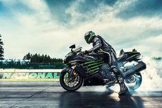 3... 2... 1....Blastoff. #ZX14R Rap Wallpaper, Kawasaki Ninja, Work Travel, Cars And Motorcycles, Bike, Wheels, Traveling, Motorbikes, Bicycle