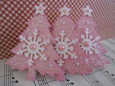 "Had a hard time deciding whether to pin these in ""Christmas"" or ""Things I Love Just Because They Are Pink!"" :)"
