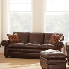 Steve Silver Company Yosemite Leather Sofa in Chestnut with Two Accent Pillows - YO900S