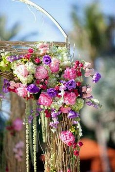 i want the blend of the flowers and branches for the mandap to look like this