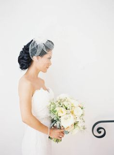 Pretty bouquet Romantic Carondelet House wedding | Real Weddings and Parties | 100 Layer Cake